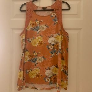 TORRID (like new) floral & lace tank top